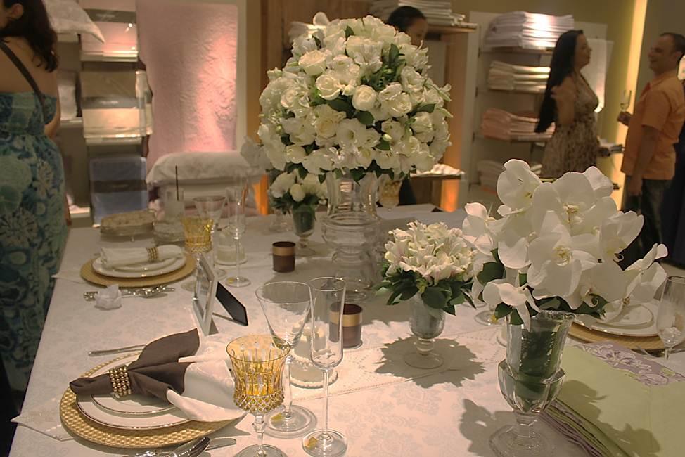 Mesa Para Jantar Em Casa Amarelo Ouro
